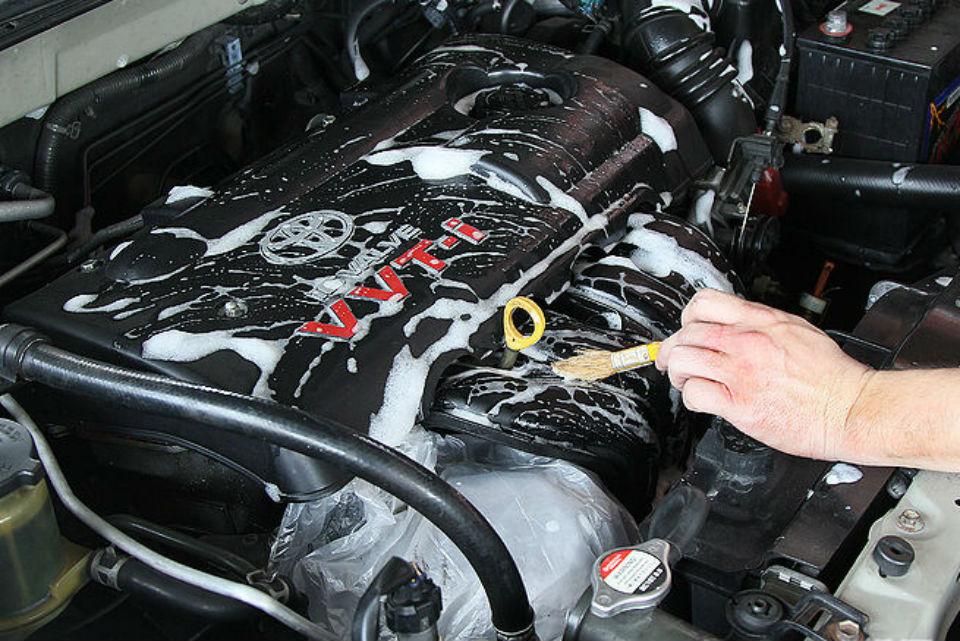 ¡¡Soluciones Caseras para Limpiar el Motor de tu Auto!!